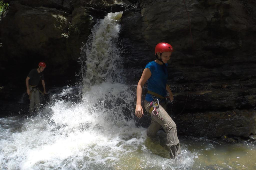 Wasserfall beim Canyoning (Adventure Sport)