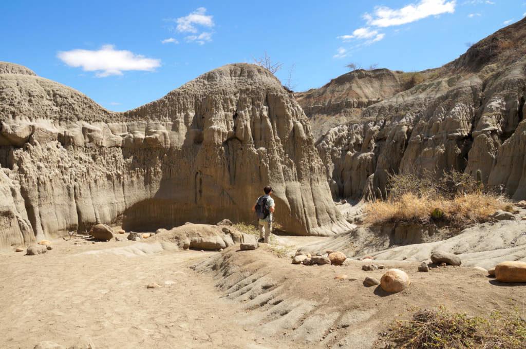 Beim Spaziergang in der Tatacoa Wüste