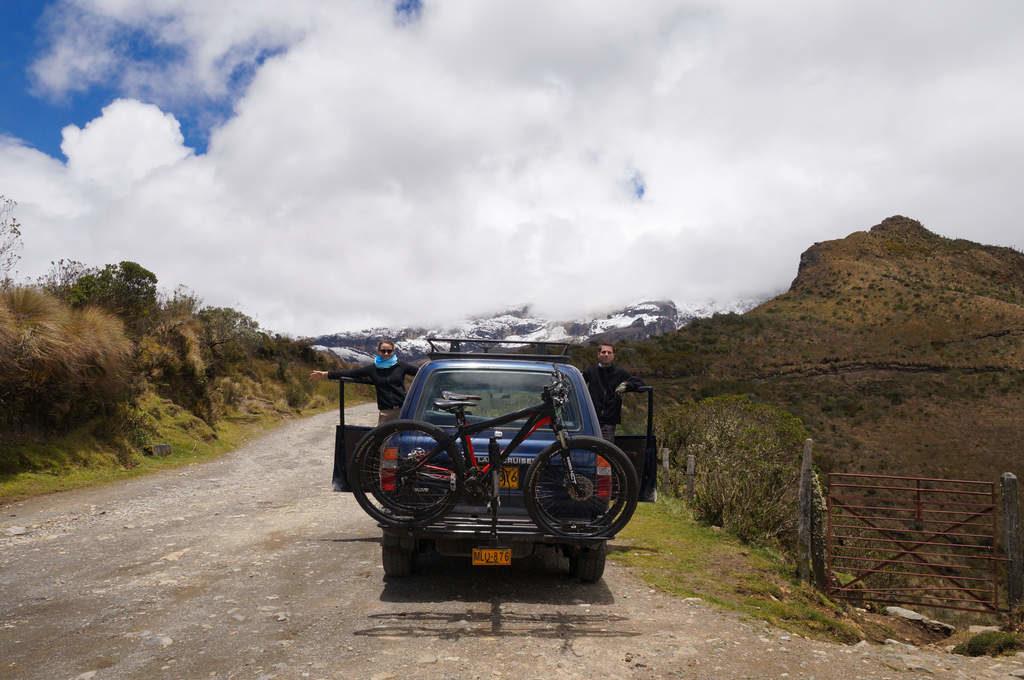 Allrad-Fahrzeug bei der Paramo Tour im Parque Nacional Los Nevados