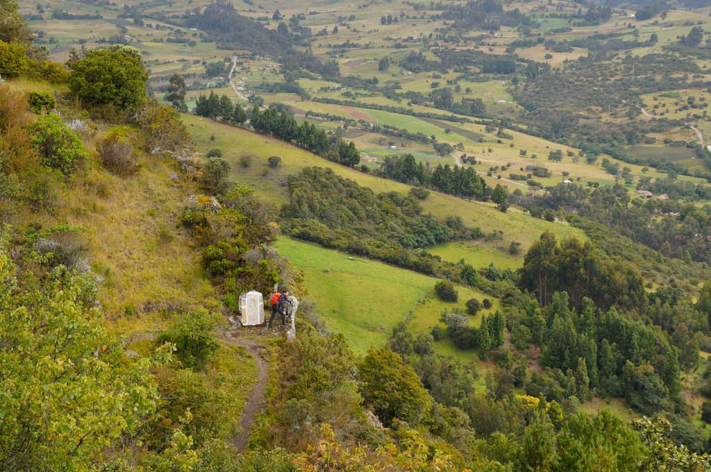 Kreuzweg rauf zum Peña de Otí