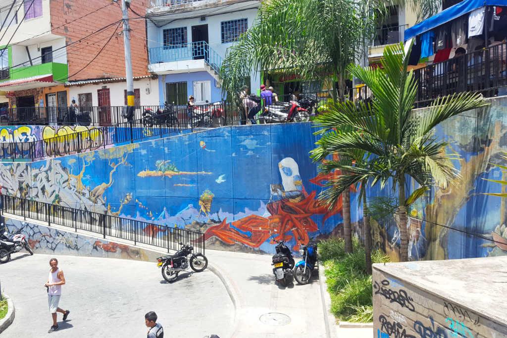 Ein Platz in der Comuna 13 Medellina