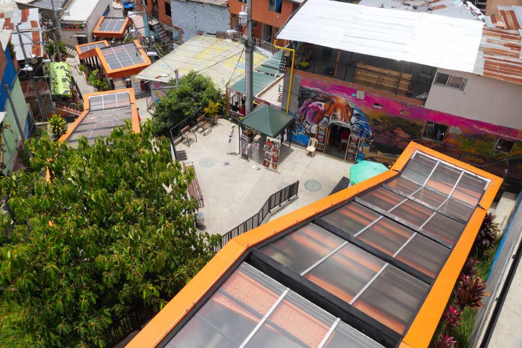 """Die """"längste"""" Rolltreppe der Welt in Medellin"""