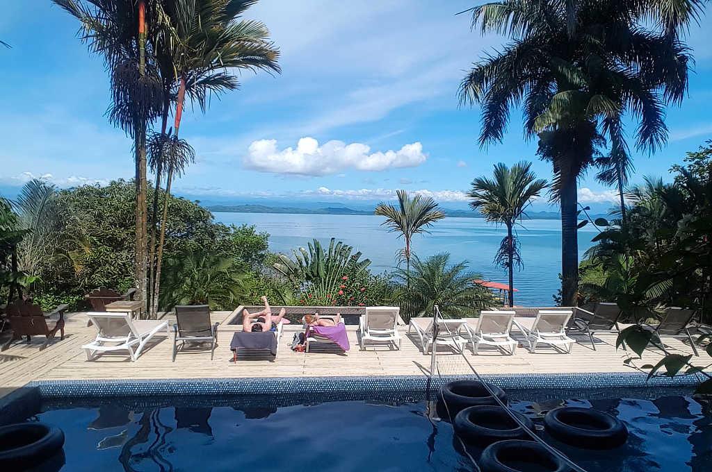 Bambuda Lodge Pool auf der Isla Solarte in Bocas del Toro