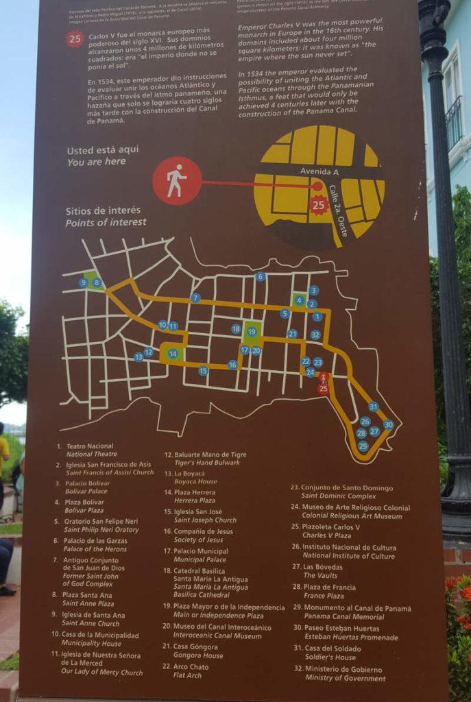 Infotafel und Karte in Casco Viejo