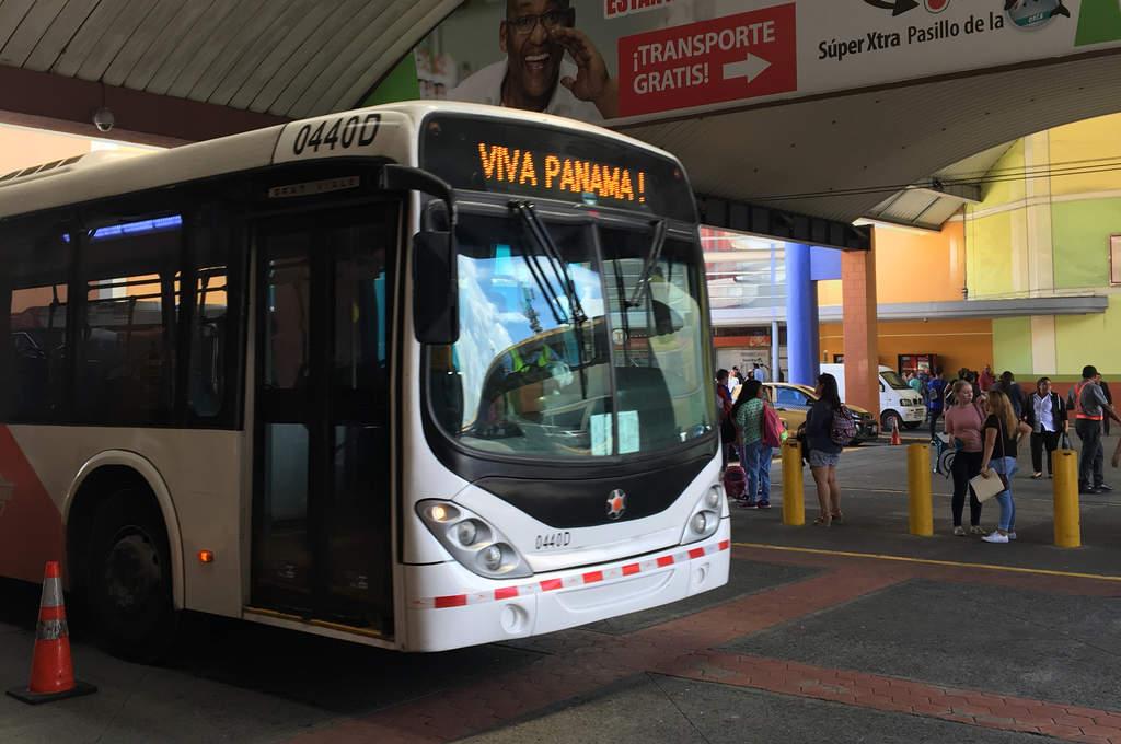 Metrobus in Panama Stadt